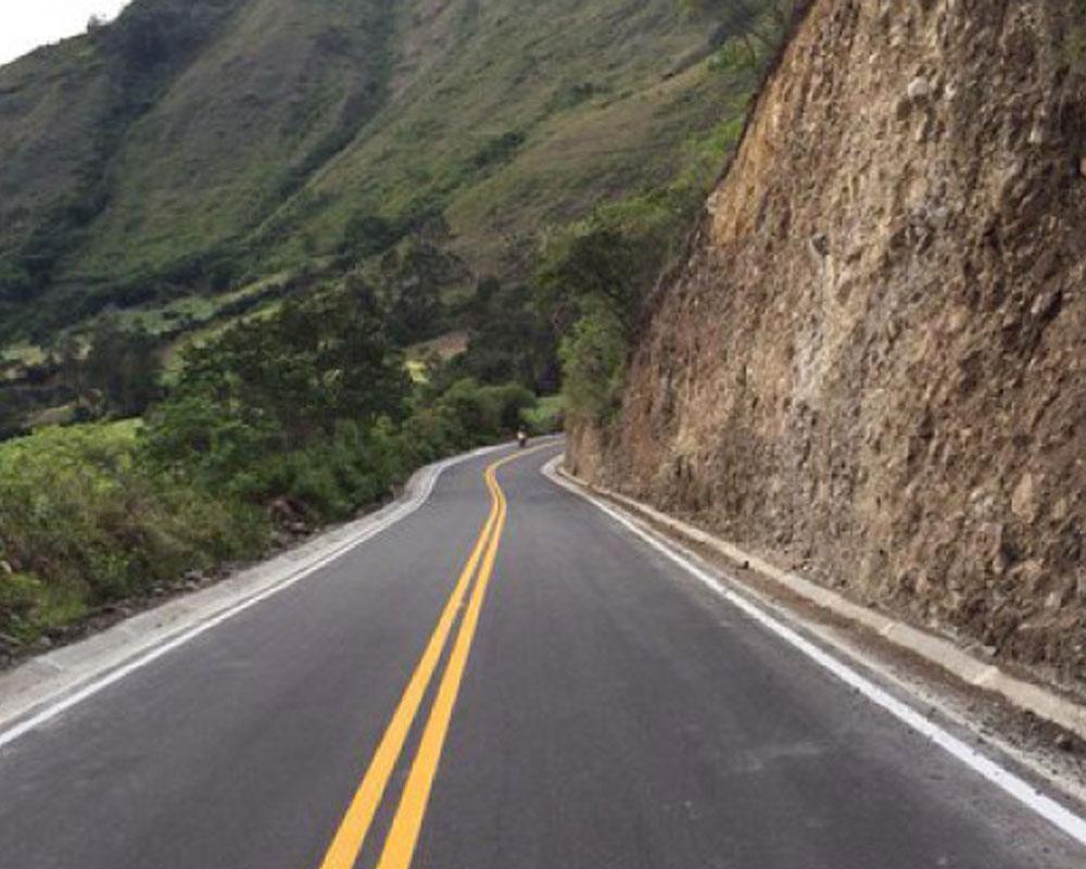 Pavimentación carretera Iles – Pilcuán